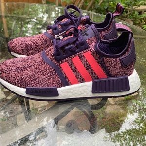 NWT Adidas kids NMD_R1 sneakers size: 5.5